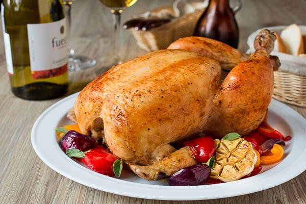 Курица в духовке целиком - 10 самых вкусных рецептов приготовления