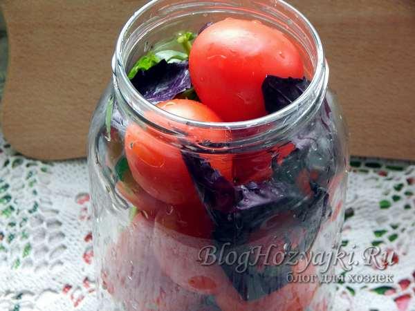 Помидоры с базиликом на зиму - 8 рецептов пальчики оближешь