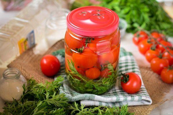 Помидоры с морковной ботвой в банках - 8 лучших рецептов на зиму